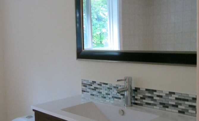 Before home staging-bath room
