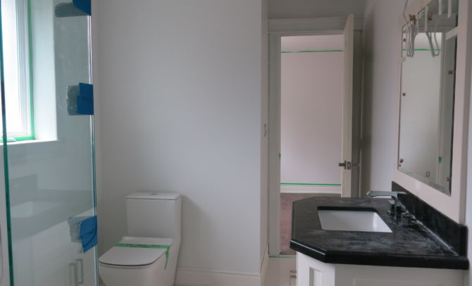 Before Home staging-bathroom